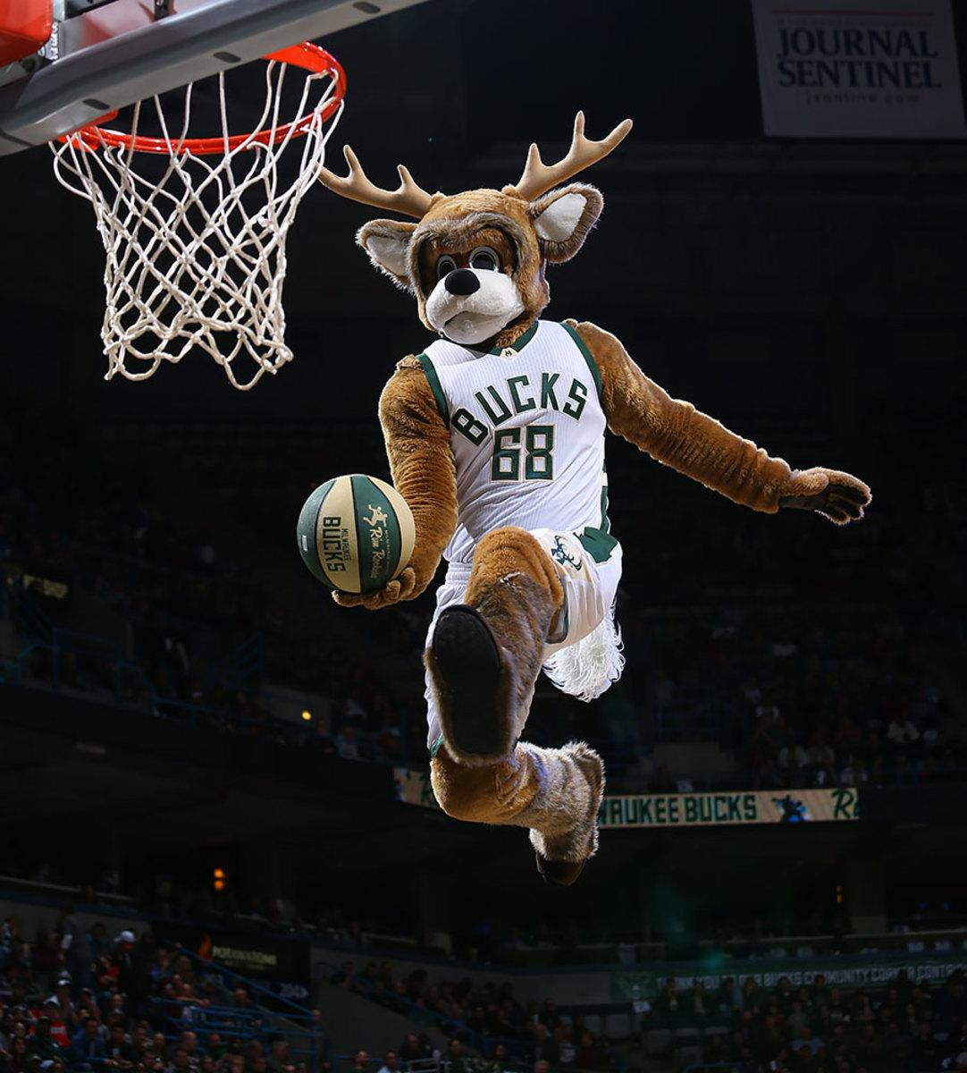 Milwaukee-Bucks-mascot-Bango-the-Buck.jpg