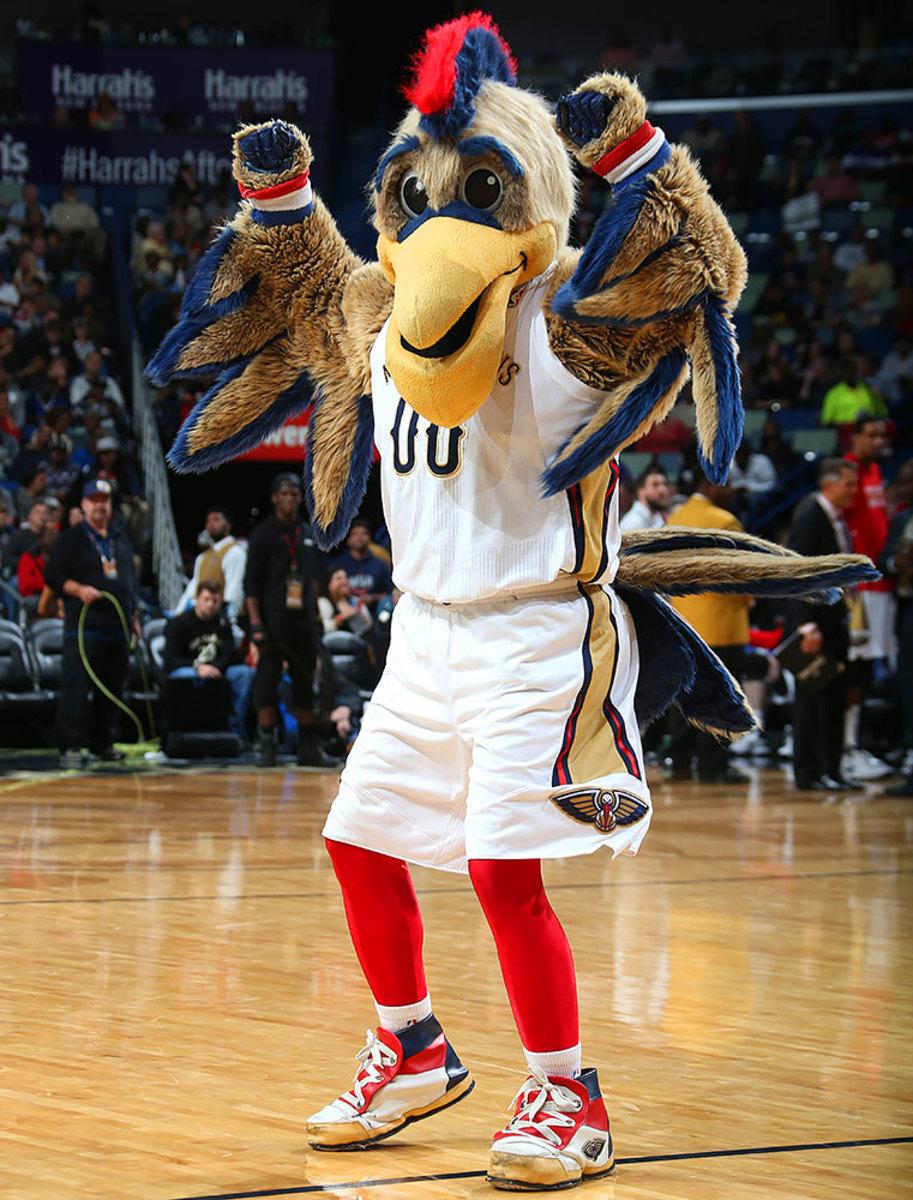 New-Orleans-Pelicans-mascot-Pierre-the-Pelican.jpg