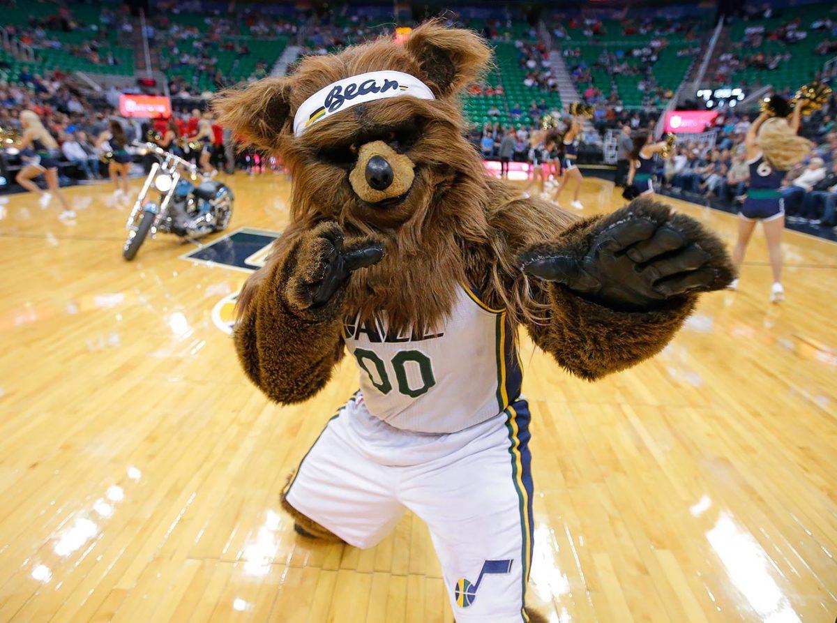 Utah-Jazz-mascot-Jazz-Bear.jpg