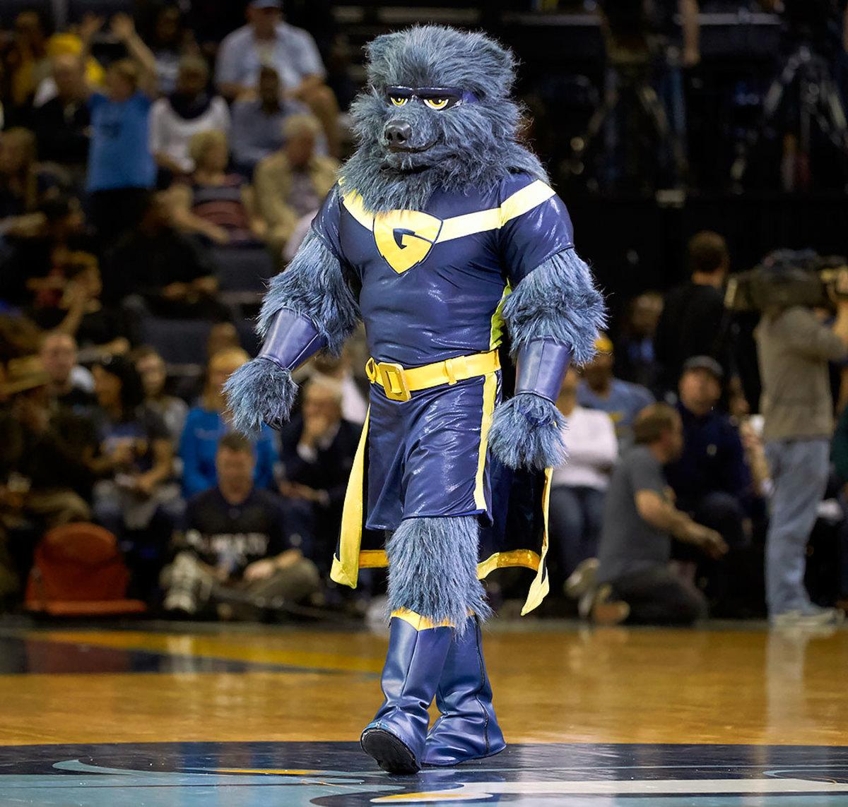 Memphis-Grizzlies-mascot-Grizz-SI315_TK1_01807.jpg