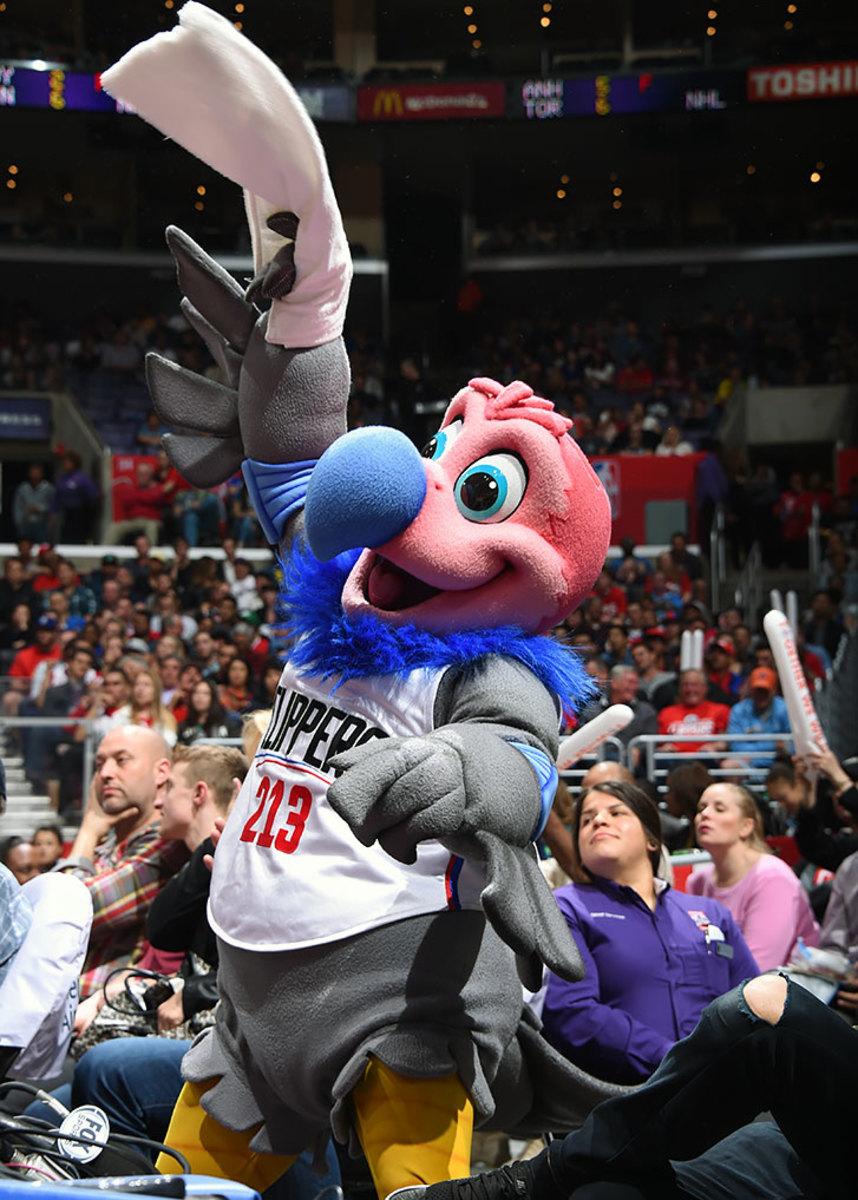 Los-Angeles-Clippers-mascot-Chuck-the-Condor.jpg
