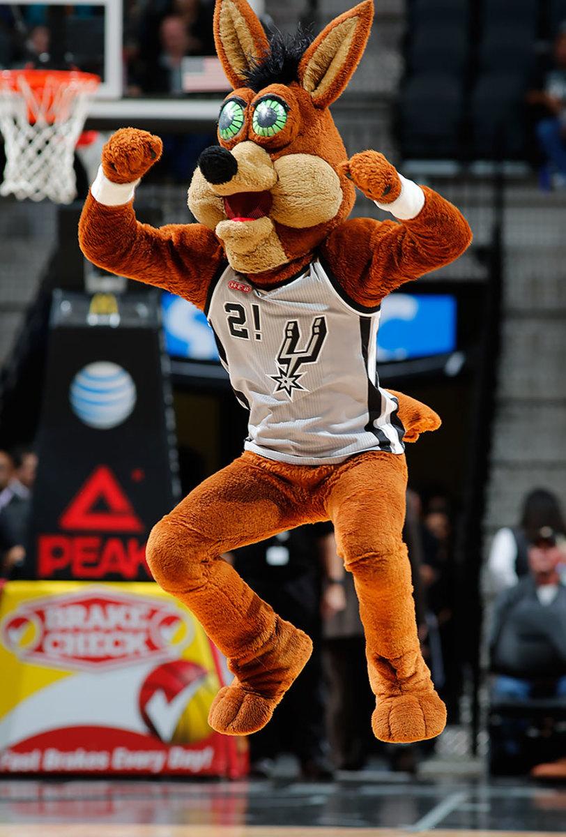 San-Antonio-Spurs-mascot-The-Coyote.jpg