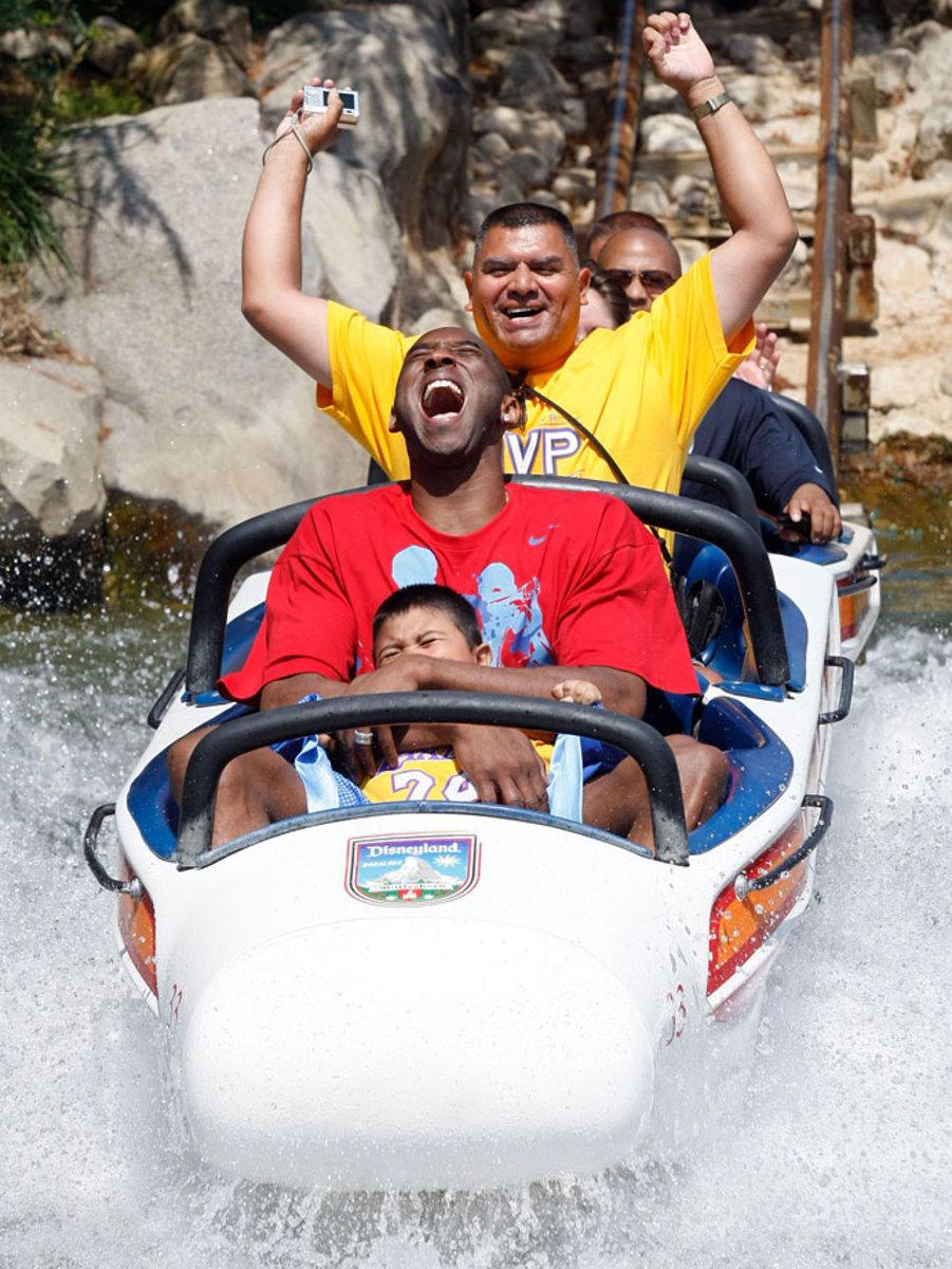 2009-Kobe-Bryant-Disneyland.jpg