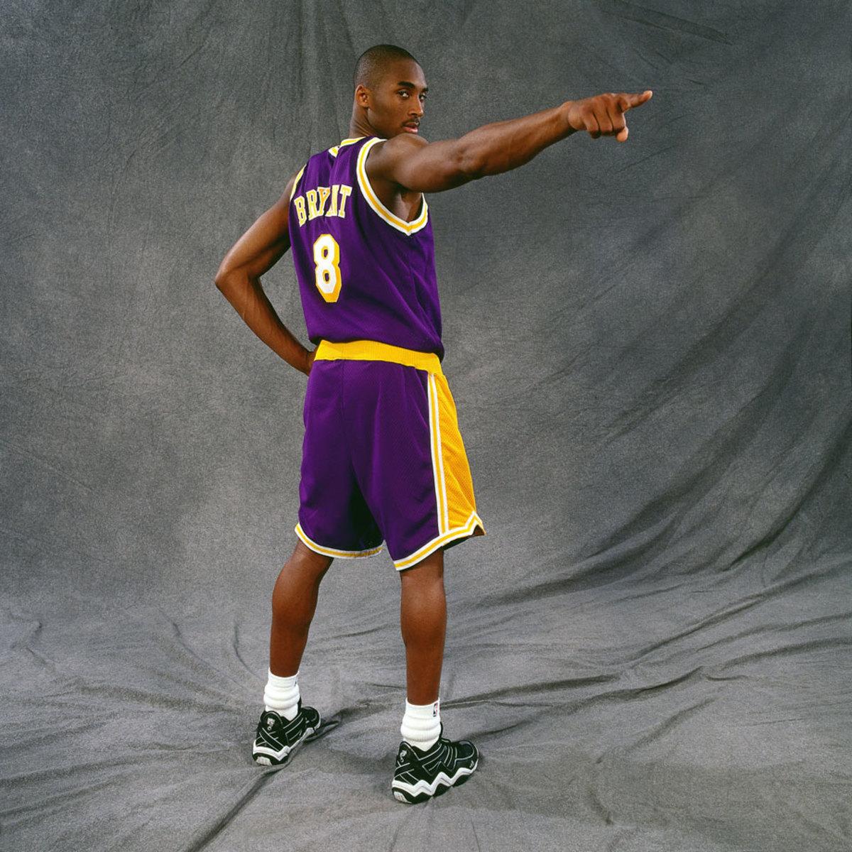 1997-Kobe-Bryant-portrait-pointing.jpg