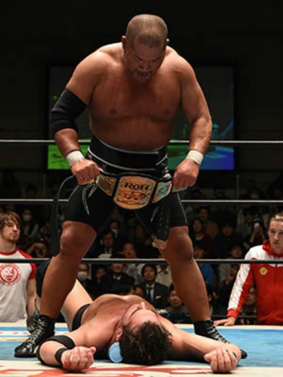 tomohiro-Ishii-New-Japan-ring-honor.jpg