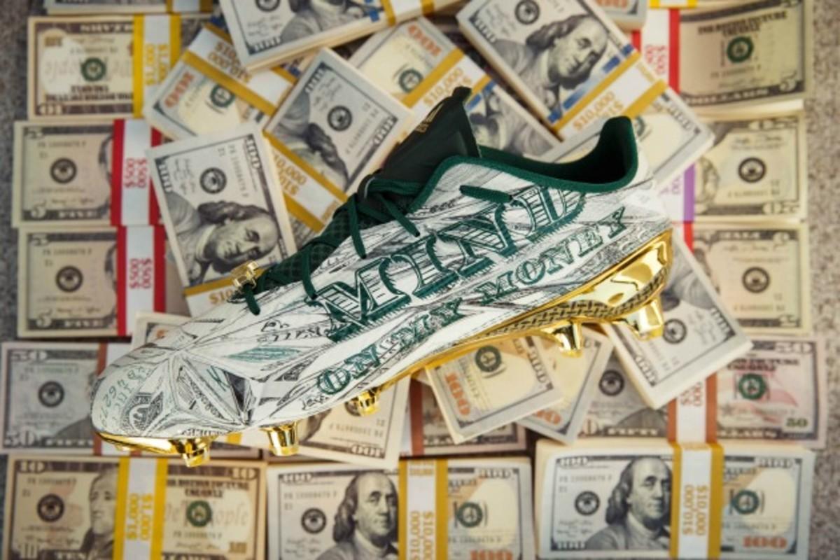 Snoop-dogg-money-cleat-1.jpg