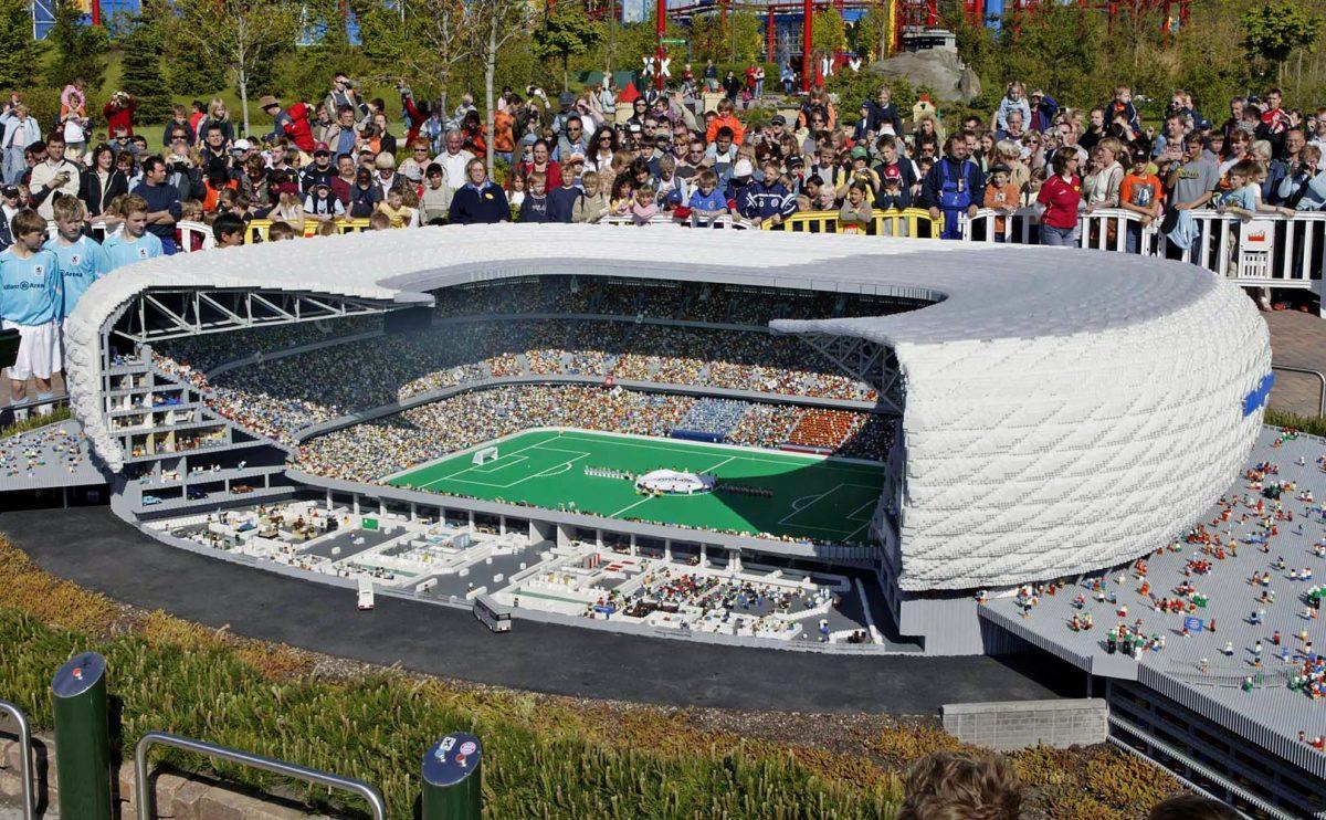 2005-0512-Munich-Allianz-Arena-LEGO.jpg