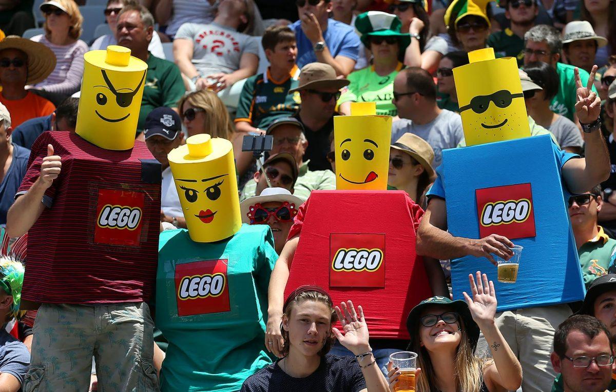2015-1213-rugby-fans-LEGO.jpg