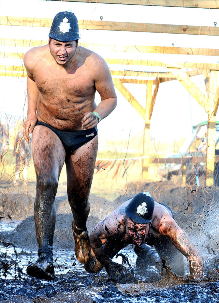 2012-Tough-Mudder-Cheshire-England-GettyImages-156661994_master.jpg