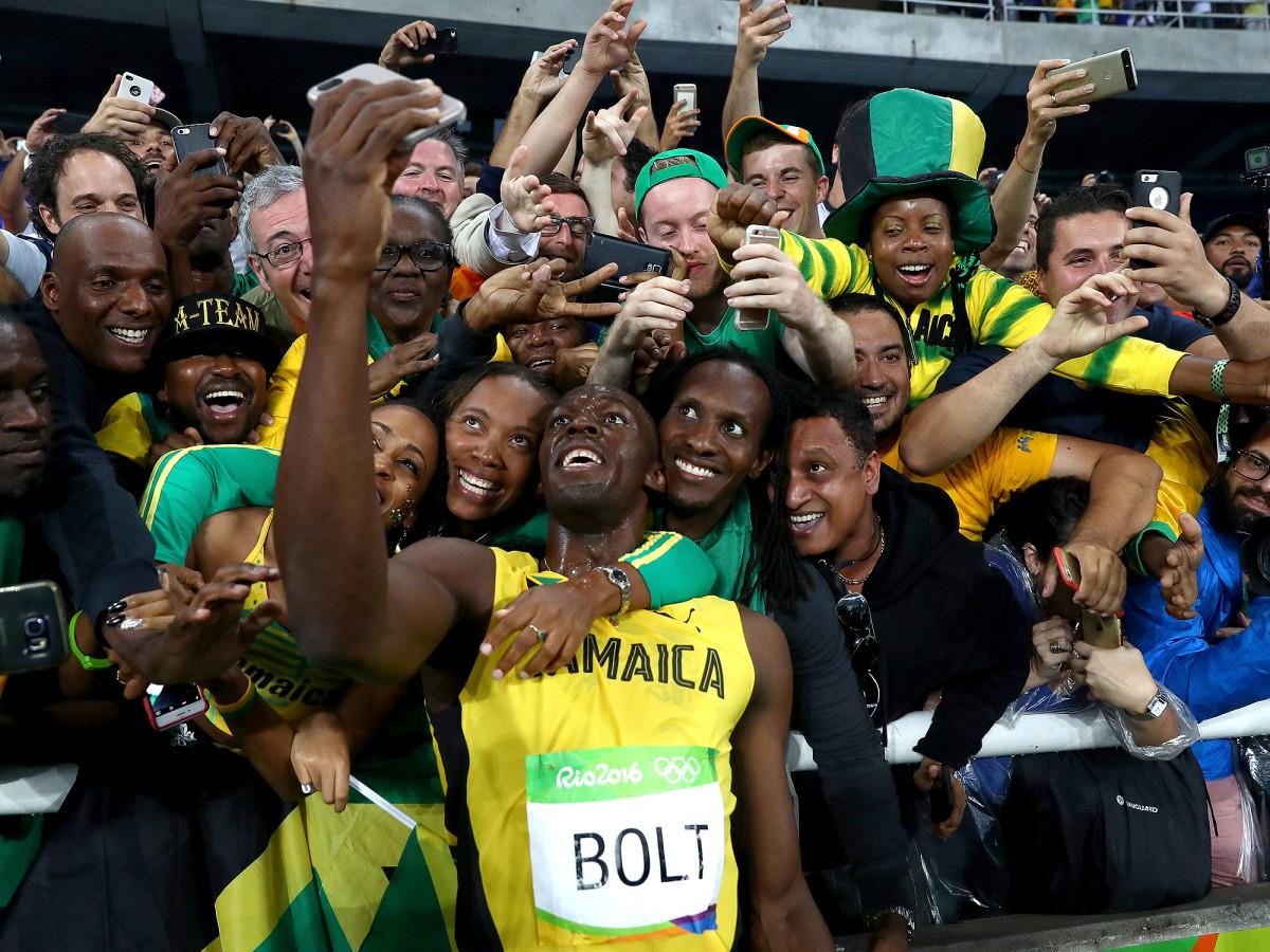 usain-bolt-wins-200m-selfies-inline.jpg