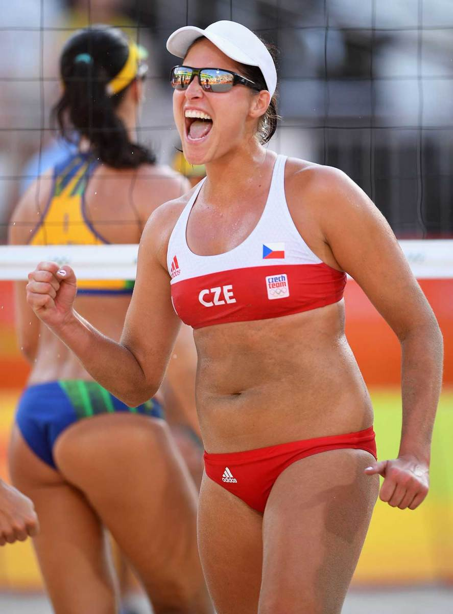 Womens-beach-volleyball-pictures-2016-rio-olympics-4.jpg