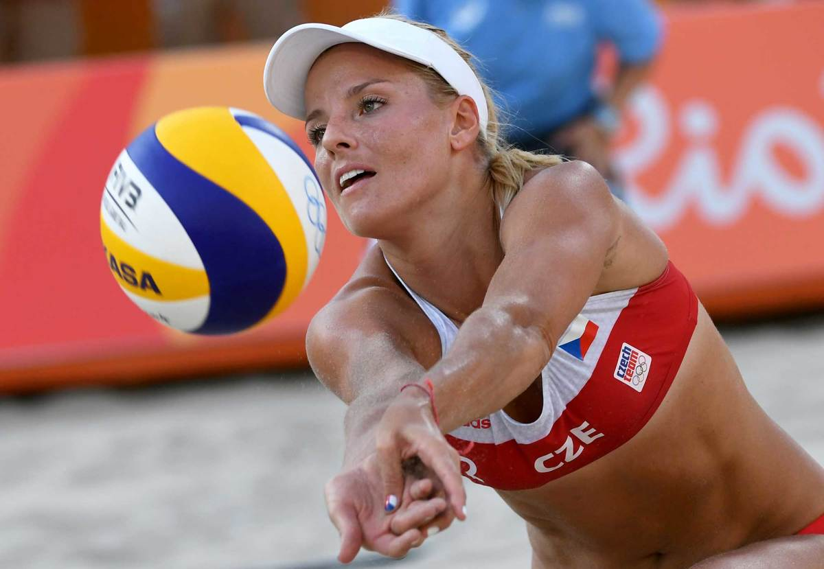 Womens-beach-volleyball-pictures-2016-rio-olympics-9.jpg