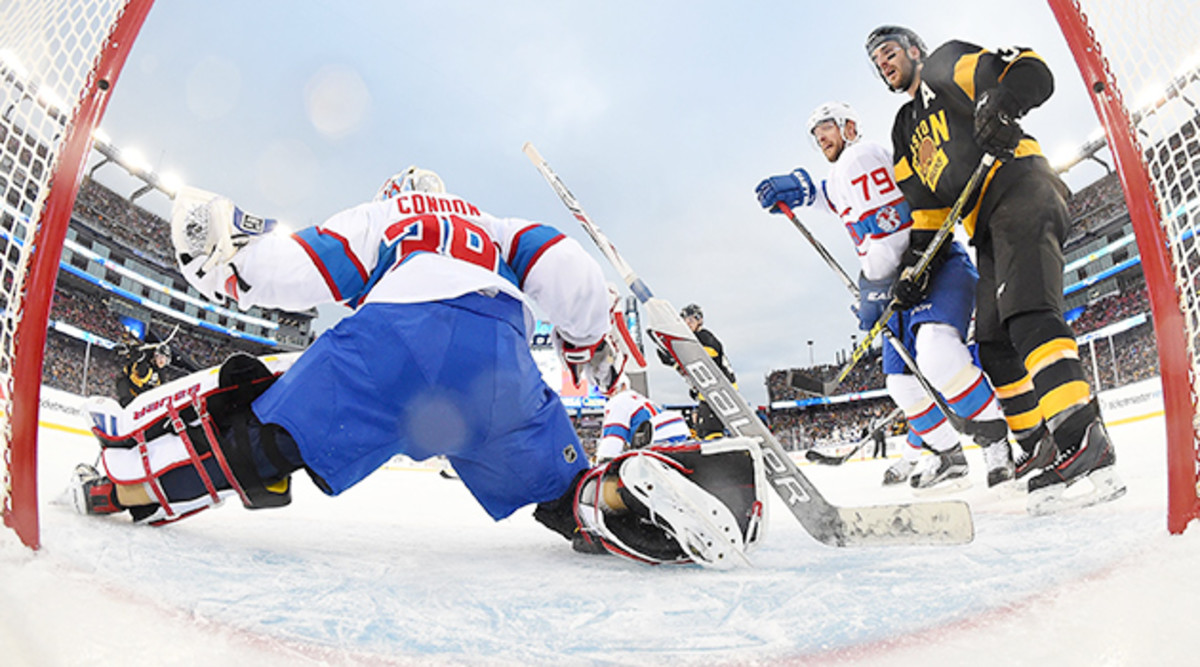 montreal-canadiens-winter-classic-mike-condon-save.jpg