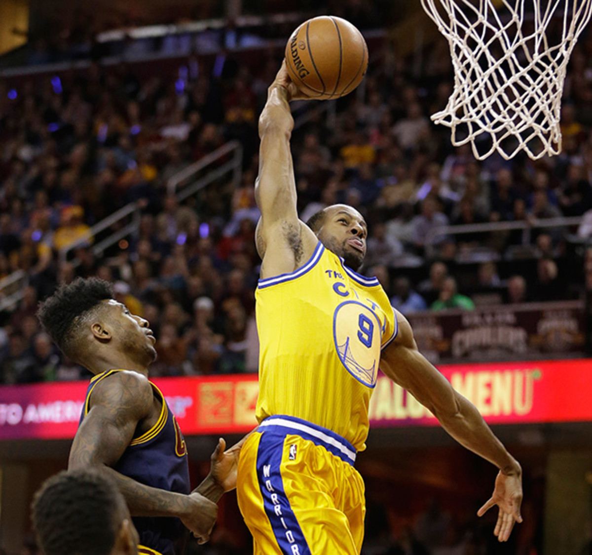 iguodala-dunk-warriors-cavaliers.jpg