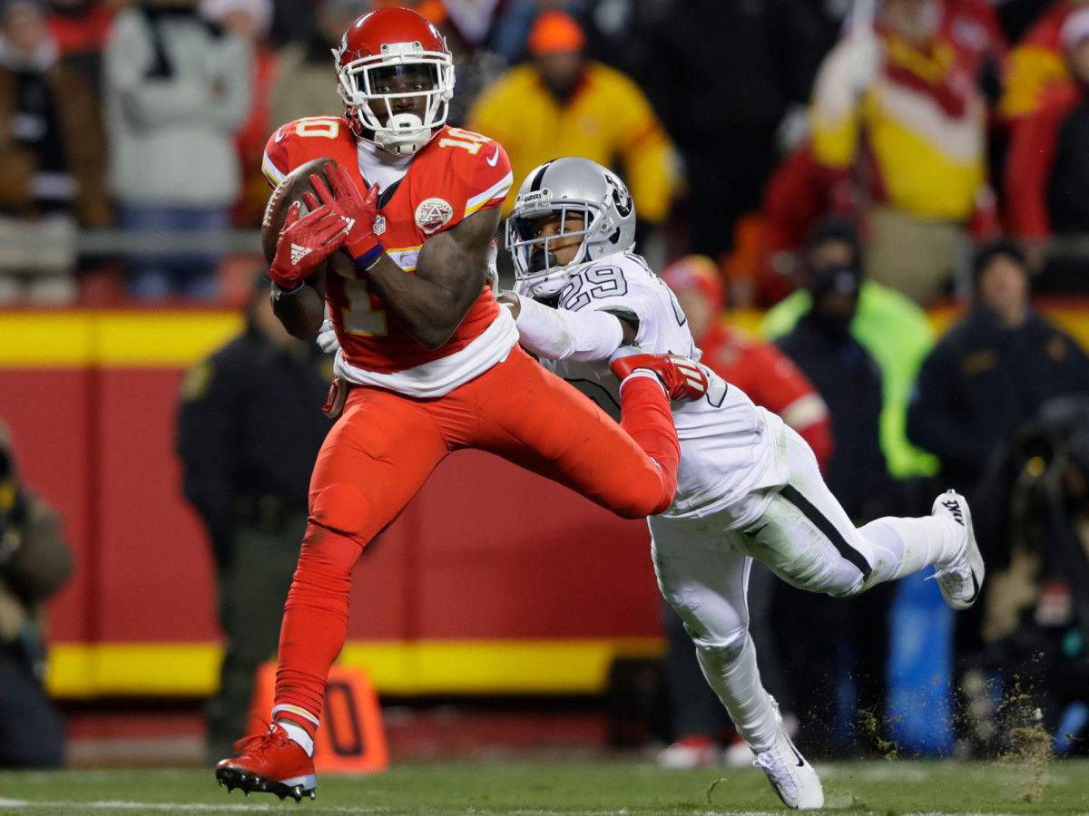 tyreek-hill-kansas-city-chiefs-raiders.jpg