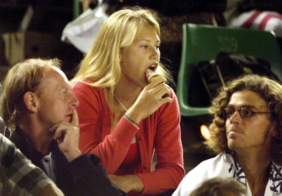 1999-Anna-Kournikova-ice-cream.jpg
