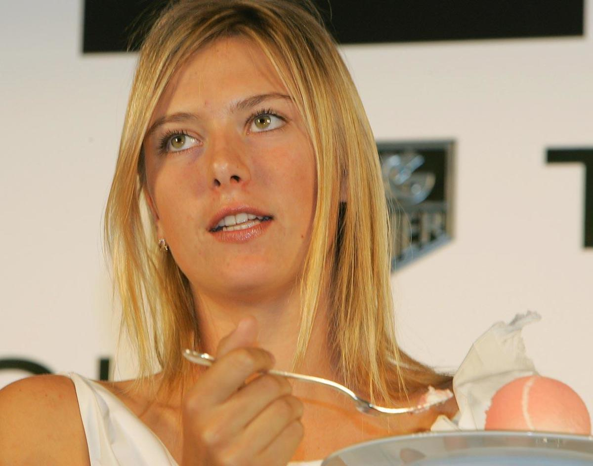 2005-Maria-Sharapova-ice-cream.jpg