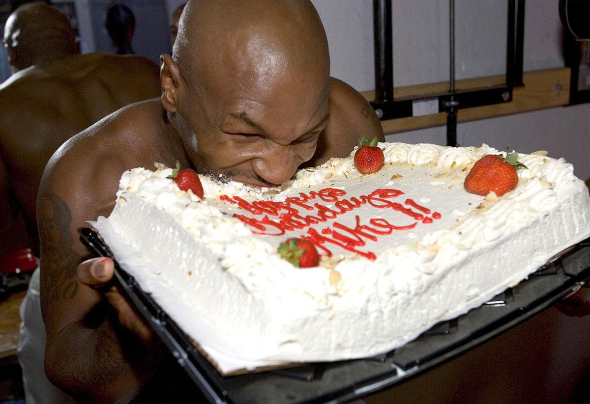 2004-Mike-Tyson-cake.jpg
