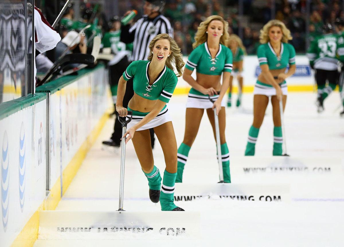 Dallas-Stars-Ice-Girls-506488552.jpg
