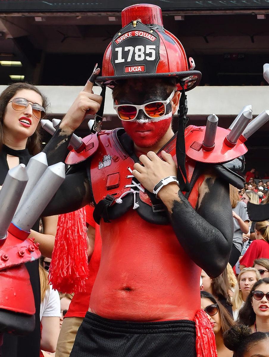 2016-1015-Georgia-Bulldogs-fans-ccr161015016_Vanderbilt_at_Georgia.jpg