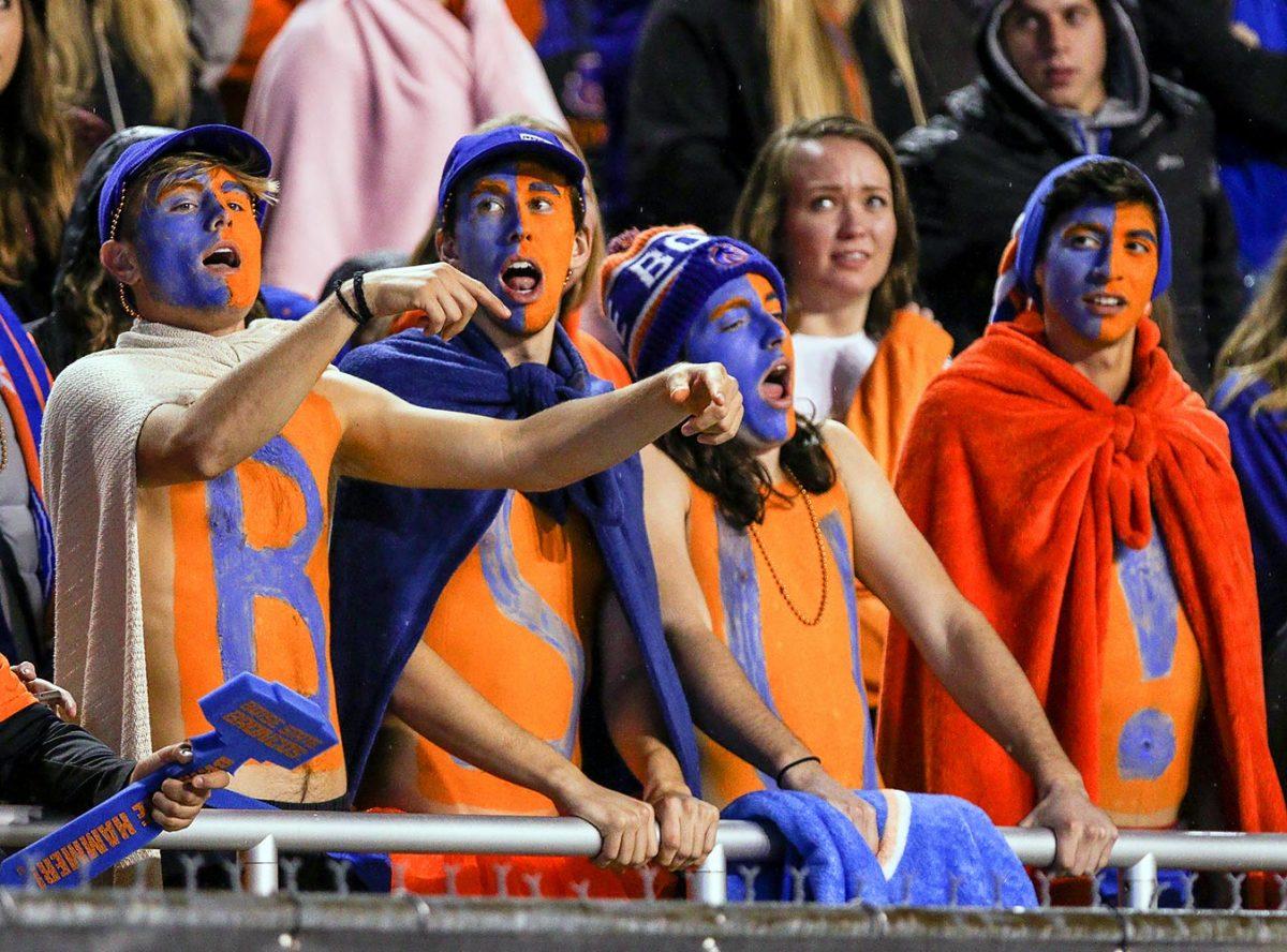 2016-1015-Boise-State-Broncos-fans-614933404.jpg