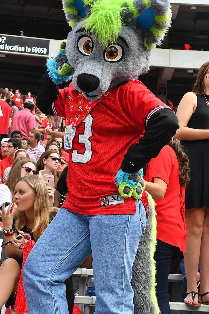 2016-1015-Georgia-Bulldogs-fans-ccr161015020_Vanderbilt_at_Georgia.jpg