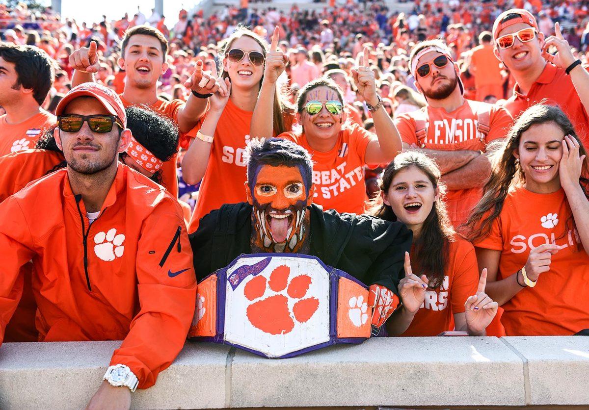 2016-1015-Clemson-Tigers-fans-DAT1610150429_NC_State_at_Clemson.jpg