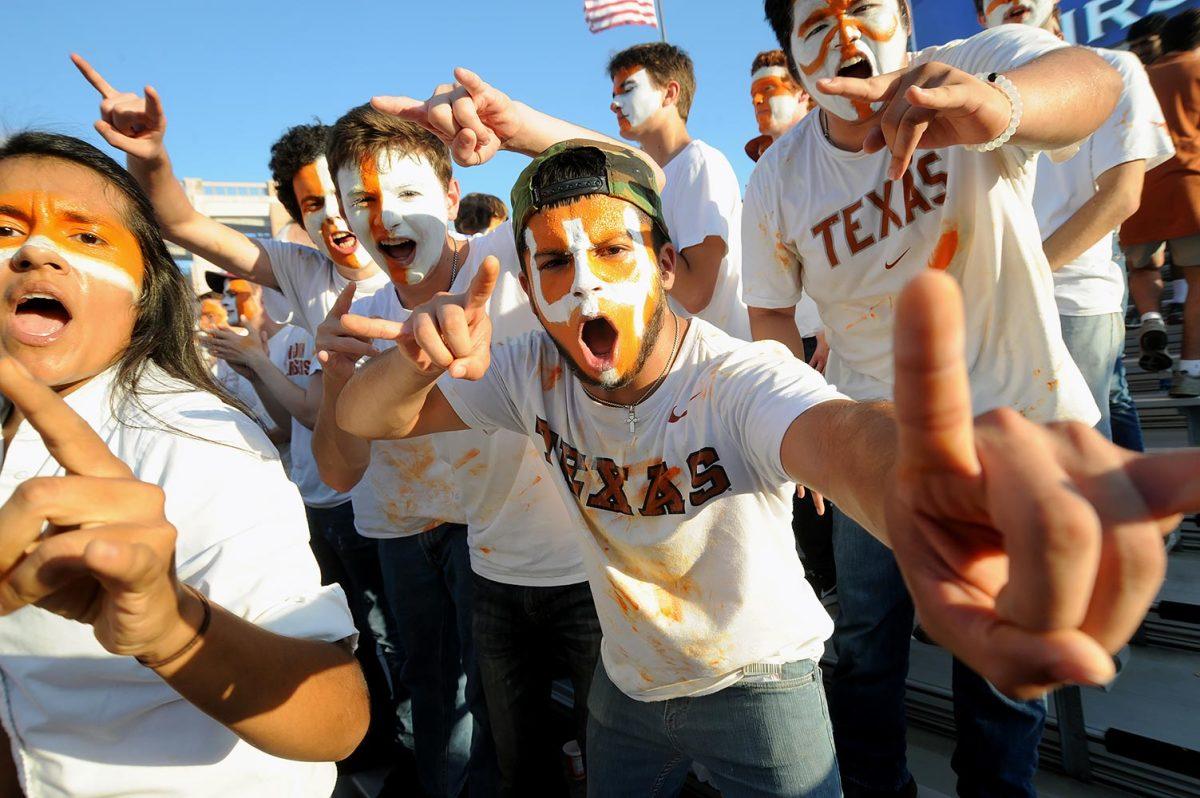 2016-1015-Texas-Longhorns-fans-42616101511_Iowa_State_v_Texas.jpg