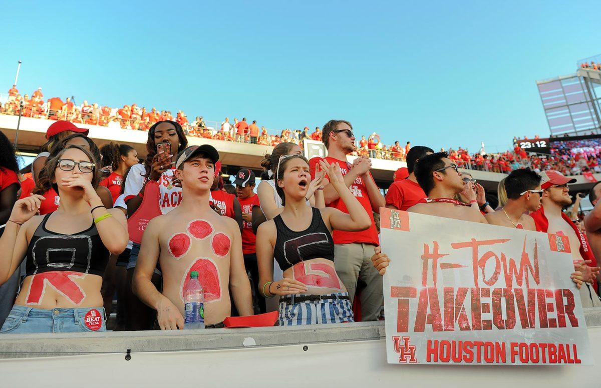 2016-1015-Houston-Cougars-fans-DEL_161015_Tulsa_vs_Houston_014.jpg