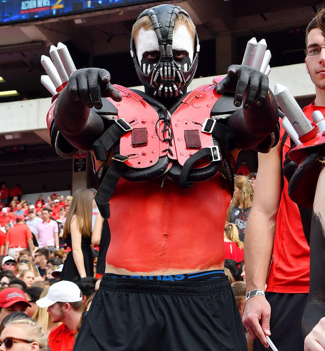 2016-1015-Georgia-Bulldogs-fans-ccr161015014_Vanderbilt_at_Georgia.jpg
