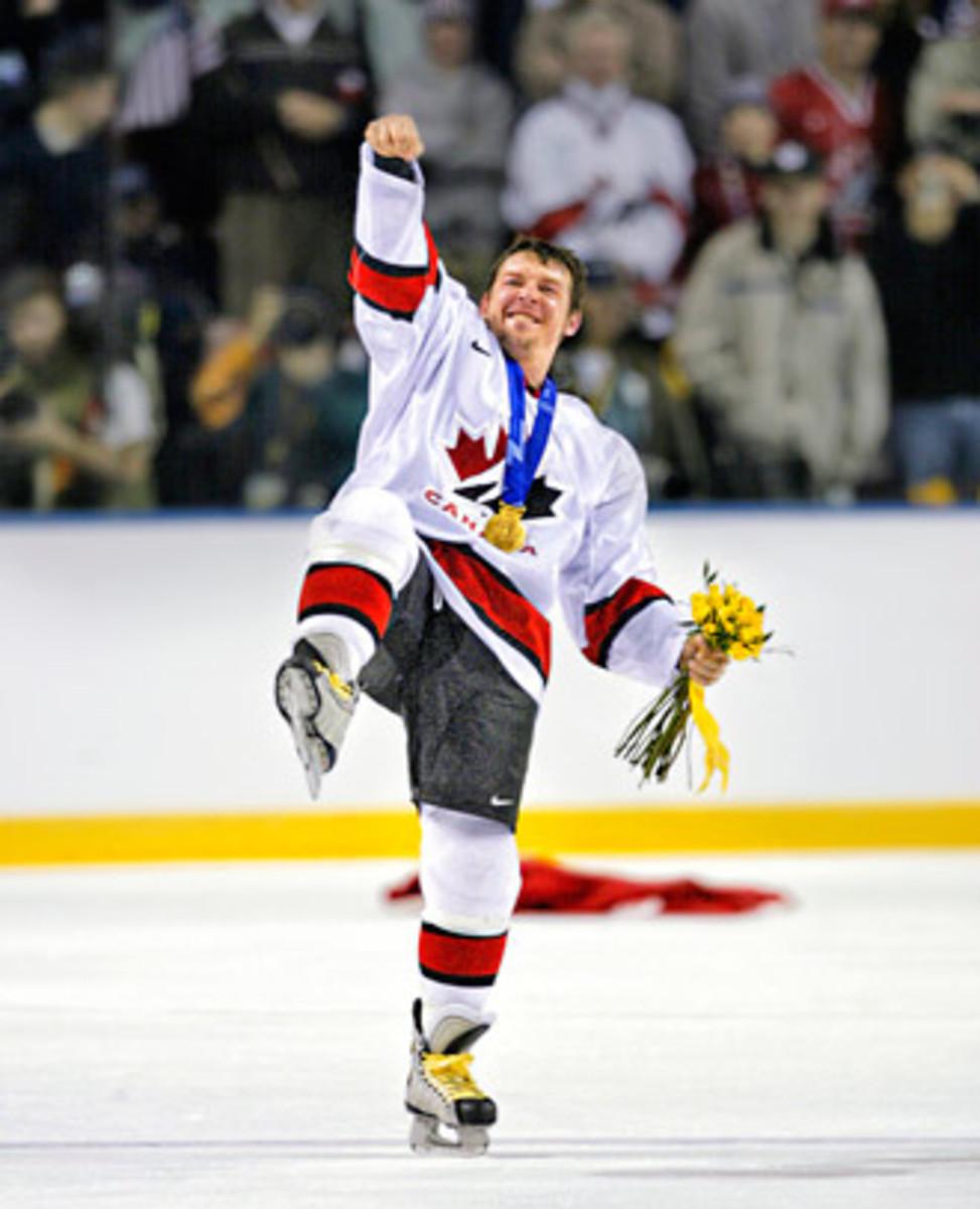 Theo-Fleury-Vinnick-Olympics.jpg