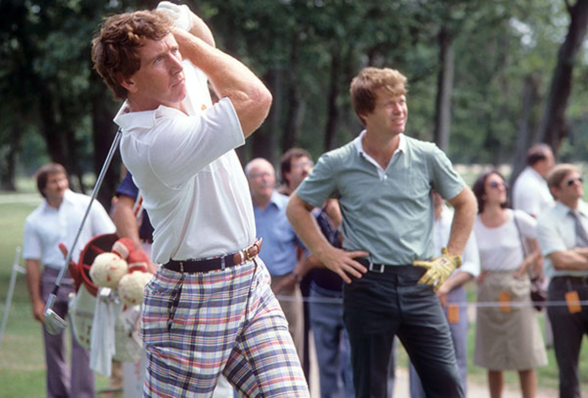 1981-0416-Archie-Manning-golf-Tom-Watson-090002456.jpg