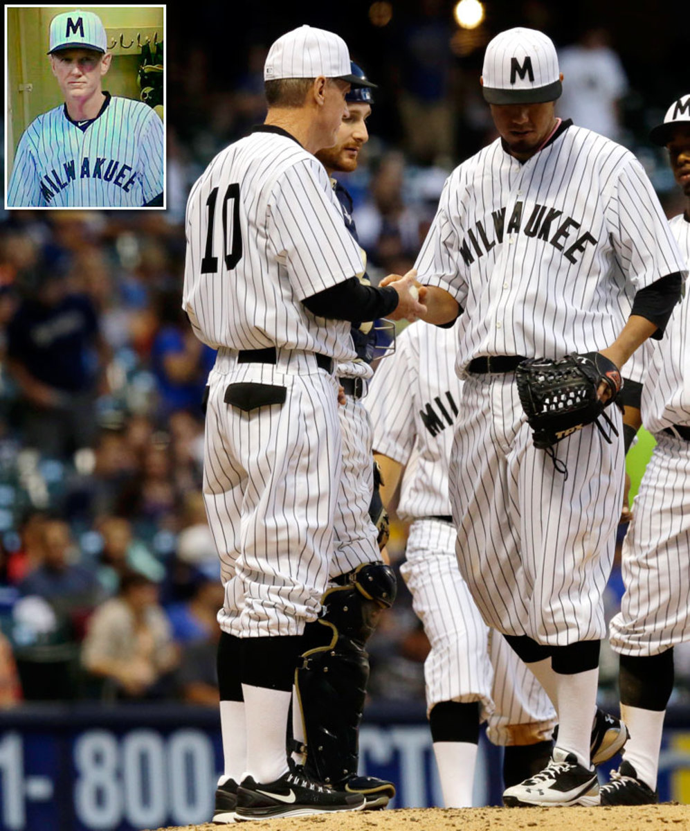 Ron-Roenicke-Milwaukee-MILWAKUEE-jersey.jpg