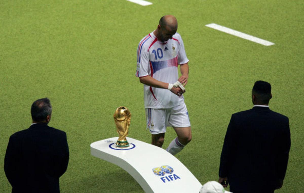 zidane-world-cup-trophy.jpg
