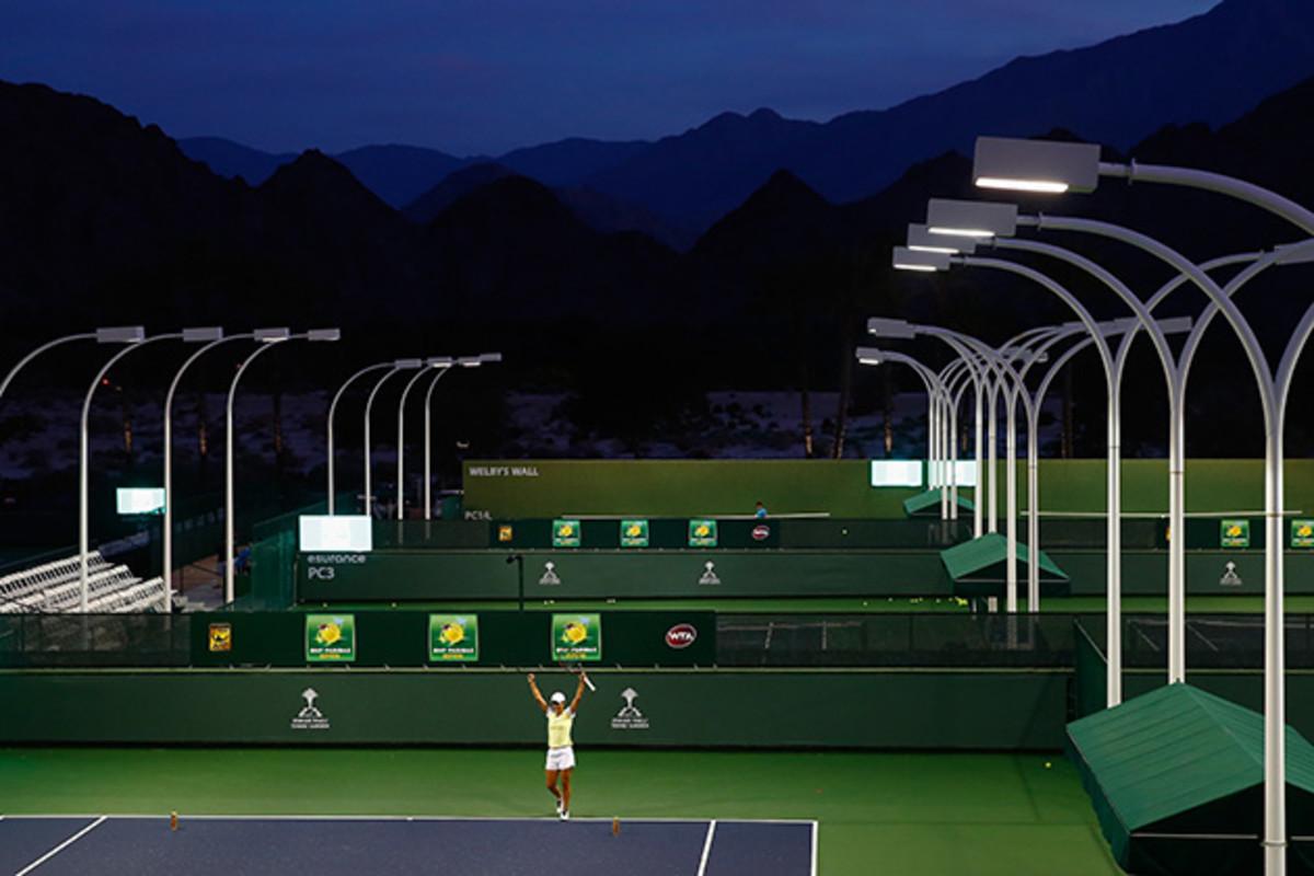 indian-wells-night-practice-courts-inline.jpg