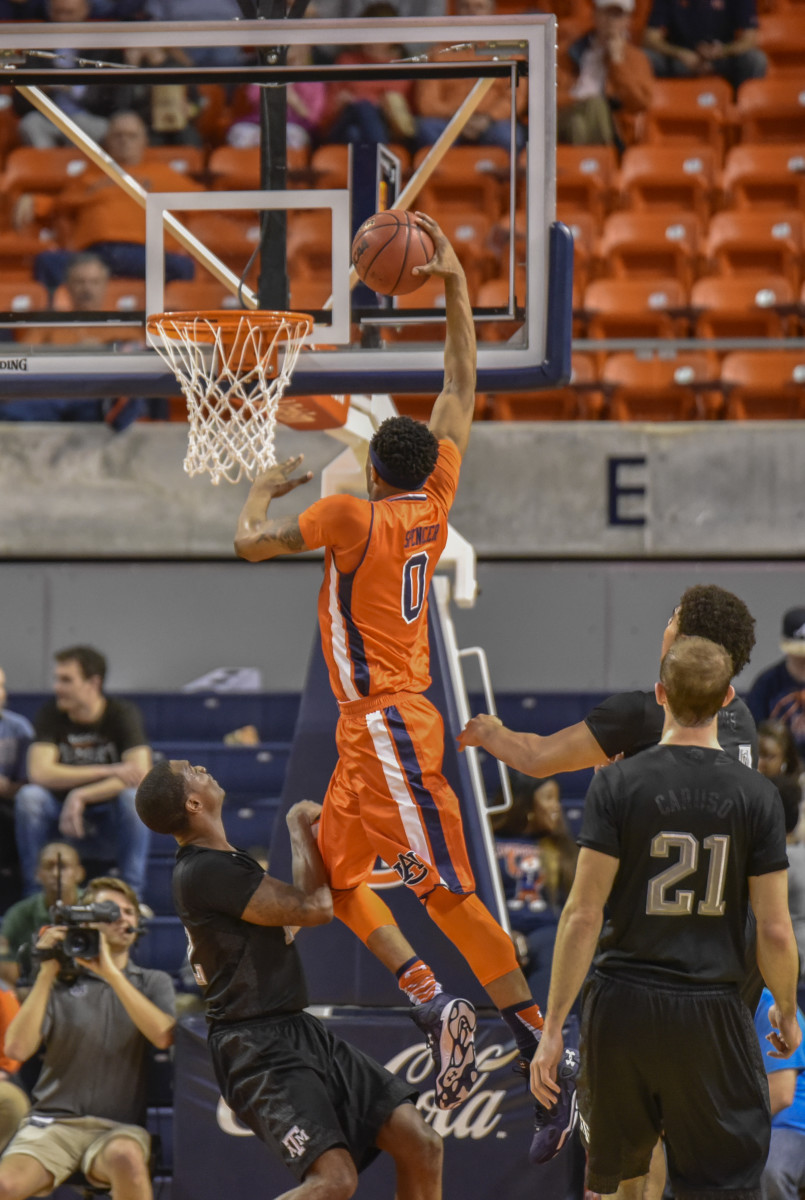 No. 20 Texas A&M races to 81-63 win over Auburn - Sports ...