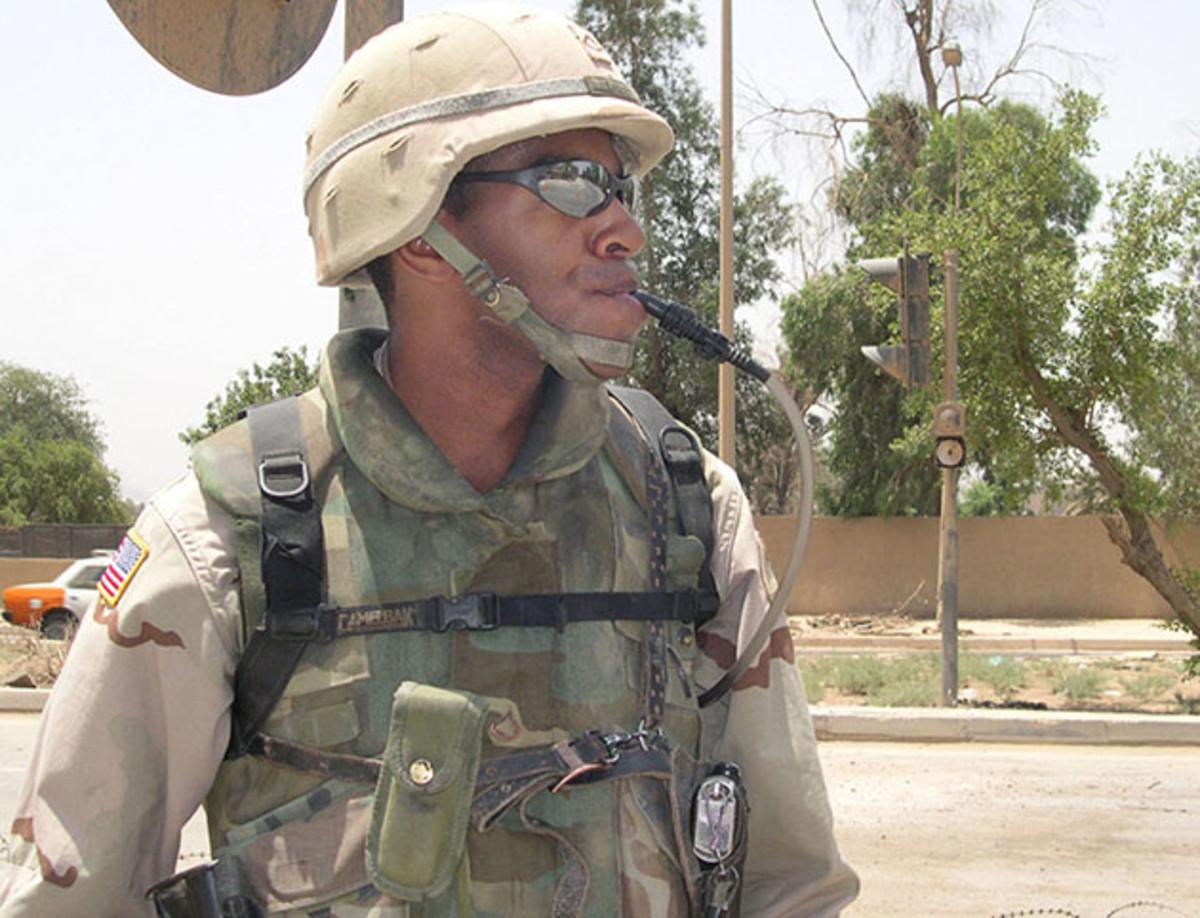 camelbak-iraq-soldier-inline.jpg