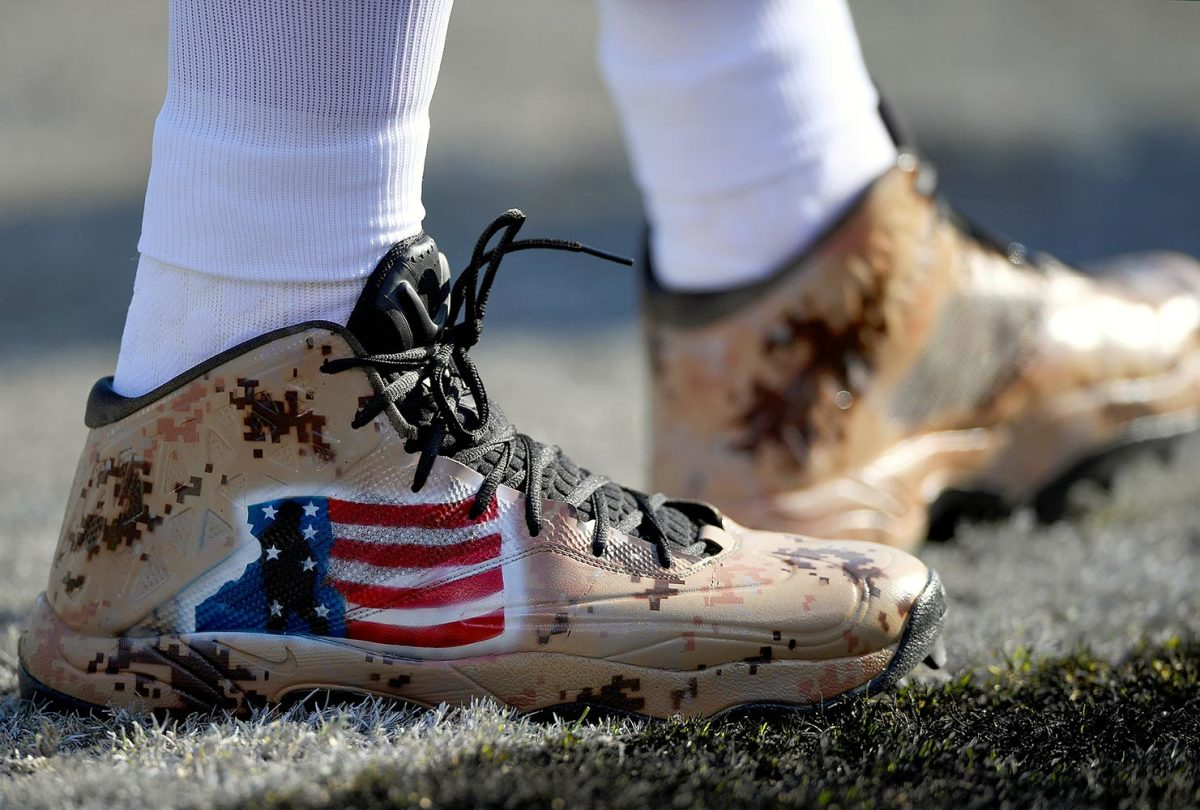 2016-1204-Richie-Incognito-cleats.jpg
