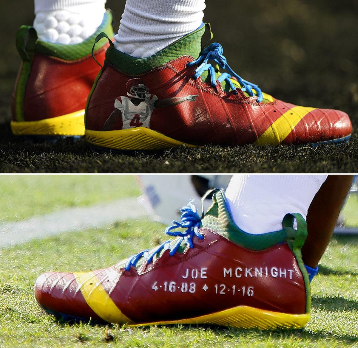 2016-1204-Reggie-Bush-Joe-McKnight-tribute-cleats.jpg