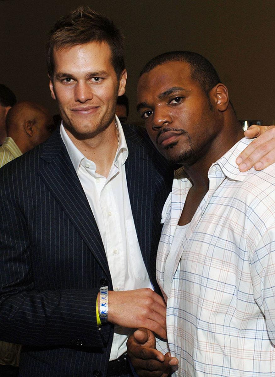 2006-Tom-Brady-Dwight-Freeney.jpg