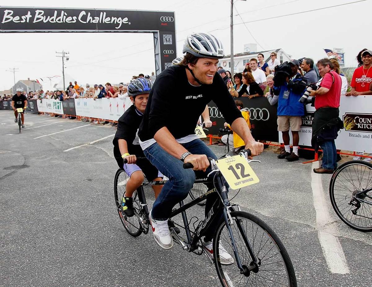 2010-Tom-Brady-bicycle.jpg