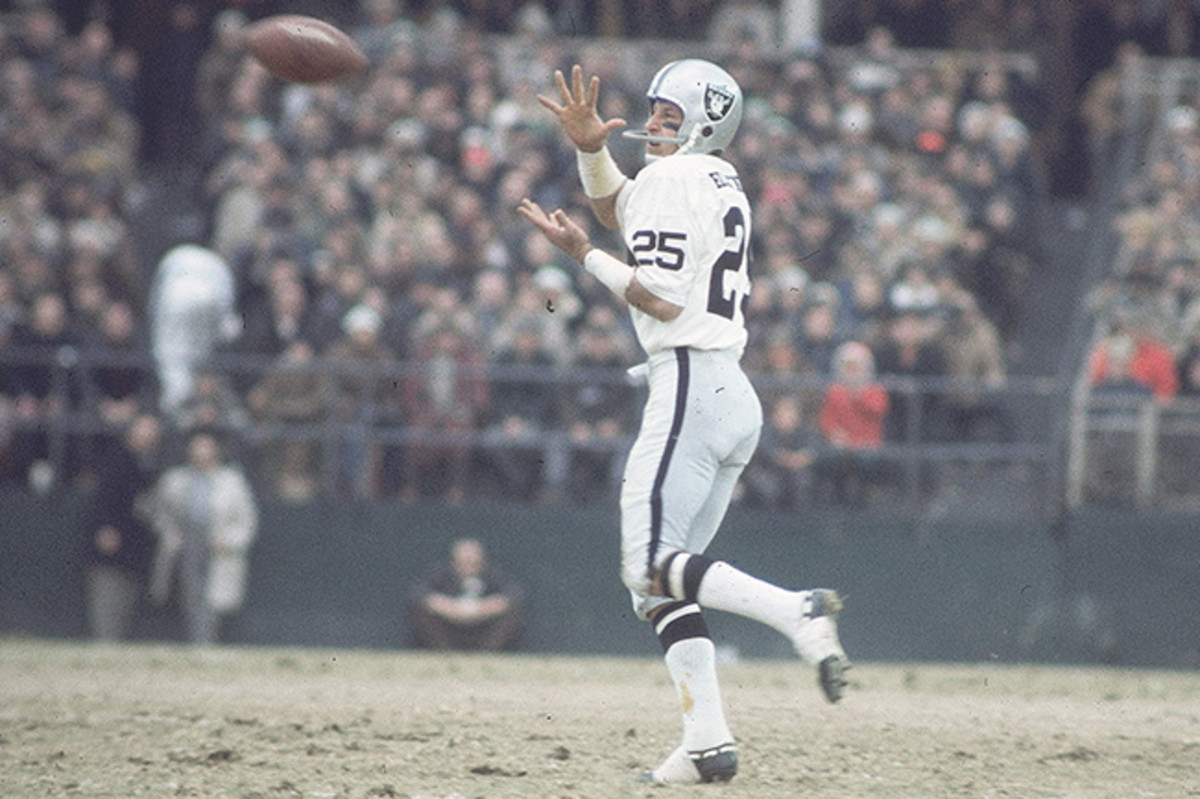 A Raiders legend, Biletnikoff was inducted into the Pro and College Football Halls of Fame.