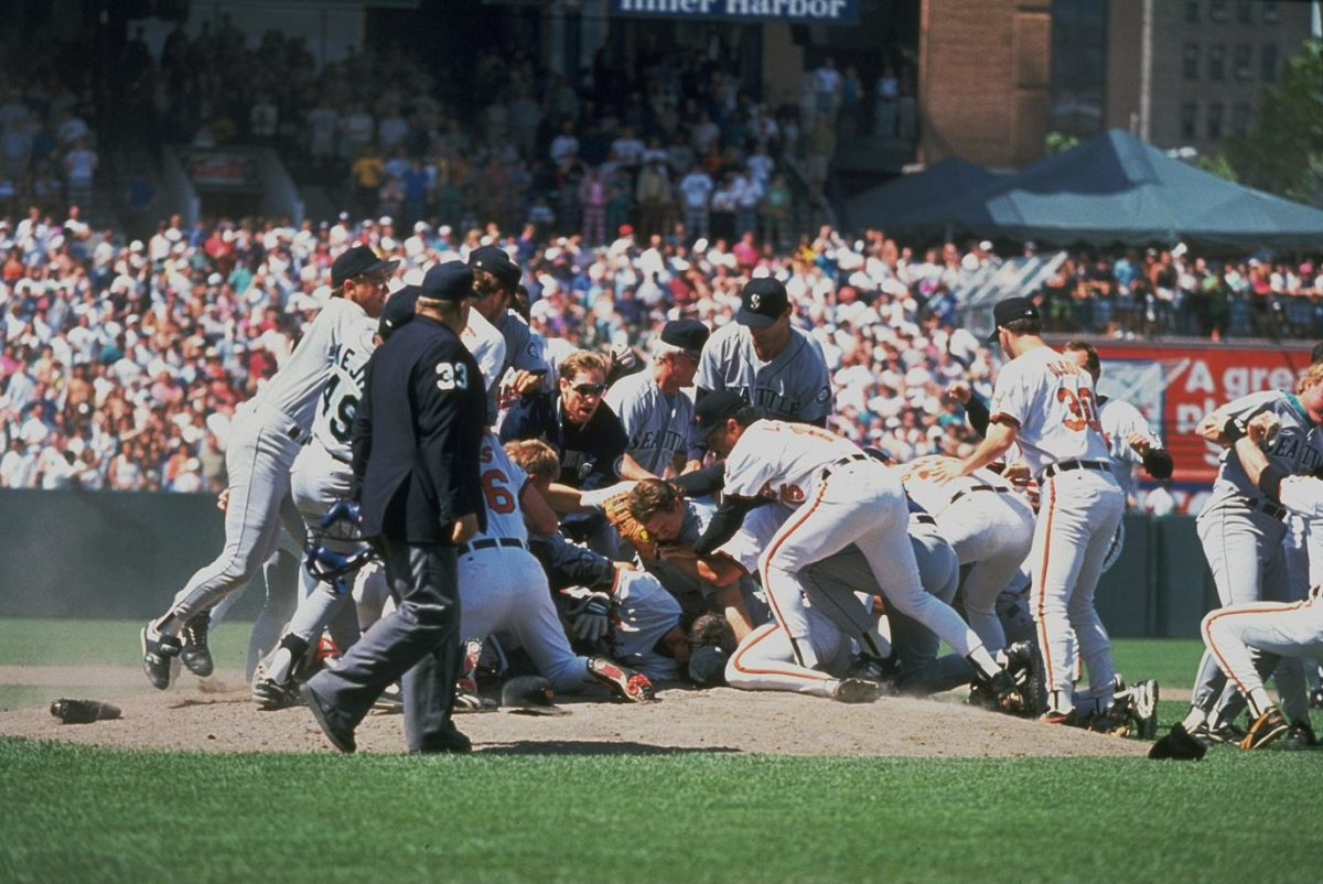 1993-orioles-mariners-brawl-05104988.jpg