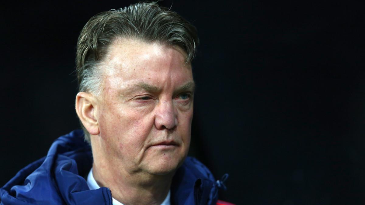 Watch: Louis Van Gaal Calls Rooney-critical Reporter 'fat