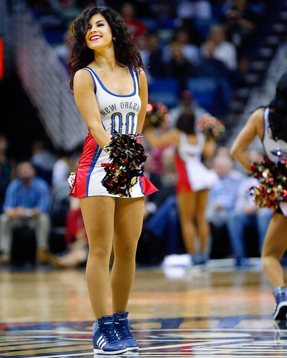 New-Orleans-Pelicans-Dancers-044885b79c894ab1865096b4edd78635-0.jpg