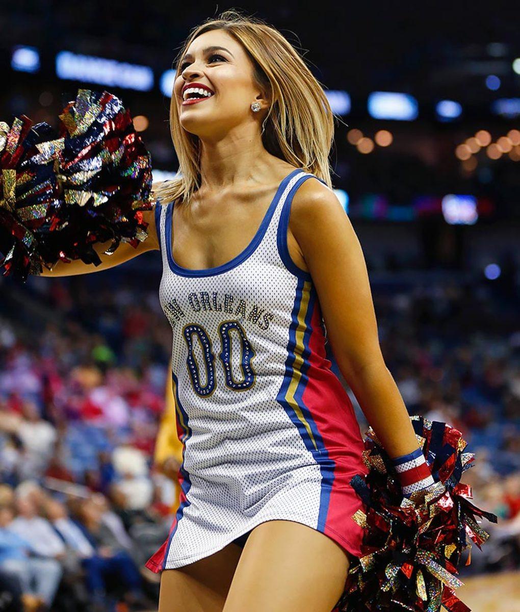New-Orleans-Pelicans-Dancers-d4d7af9ddcae48e1a48125215270359a-0.jpg