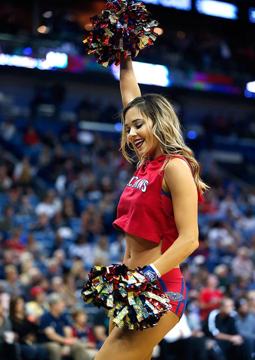 New-Orleans-Pelicans-Dancers-61bd16b8e91342e9840faa7bfcfe8434-0.jpg
