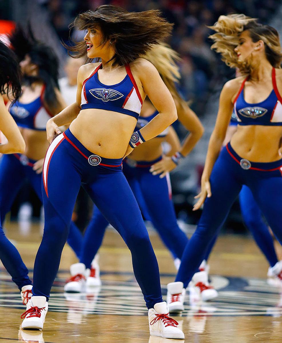 New-Orleans-Pelicans-Dancers-7260d3dead2944f2a051b9213e67bc6a-0.jpg