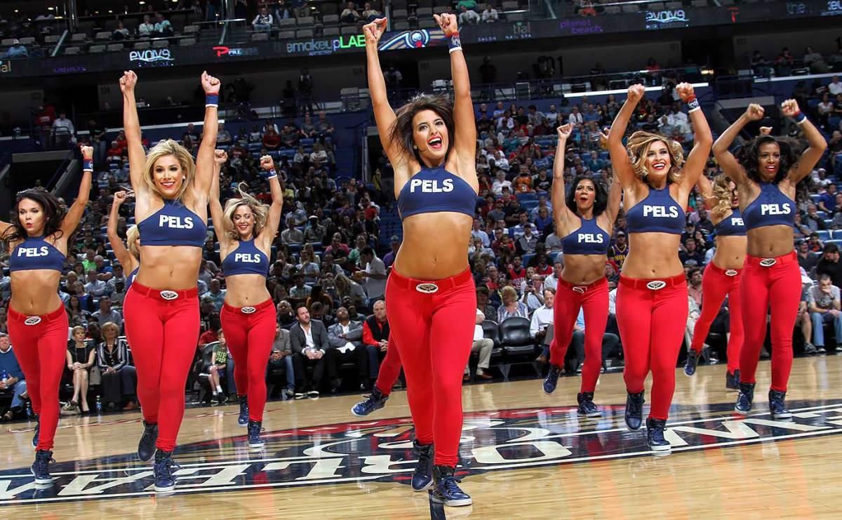 New-Orleans-Pelicans-Dancers-496055180.jpg