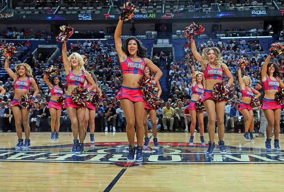 New-Orleans-Pelicans-Dancers-495546434.jpg